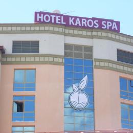 Hotel-Karos-01